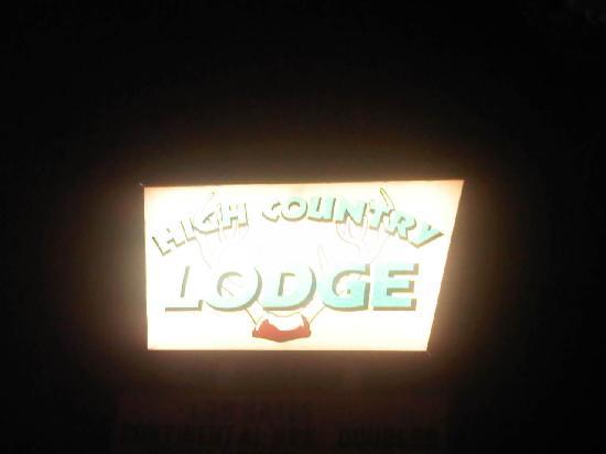 High Country Lodge: night life