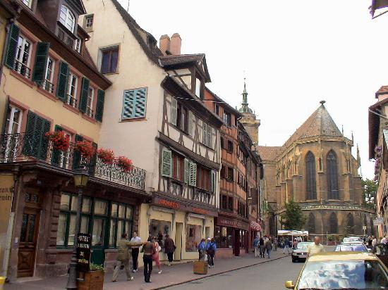 Colmar, France: 旧市街は綺麗な景色がいっぱい
