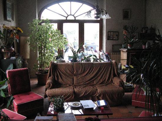 A Yeremie: Main Common Room