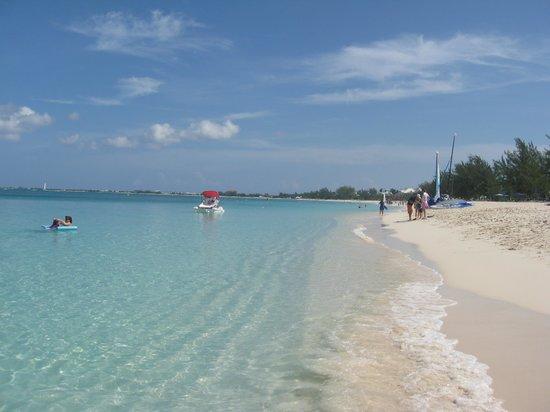 The Ritz-Carlton, Grand Cayman: Beach at the Ritz Carlton
