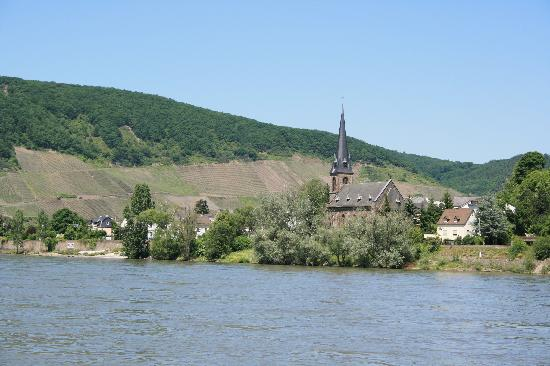 Dalyan Grill: Filsen Church just across the river Rhine from Boppard