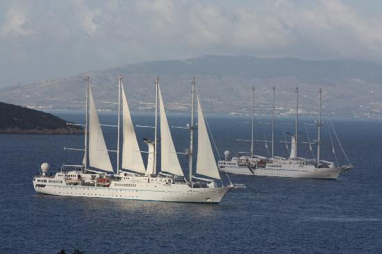 Aegean Gate Hotel: Early morning ships as seen from the terrace
