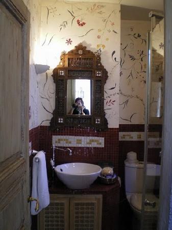 Beit Al Mamlouka: Bathroom