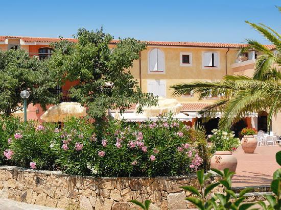 Hotel eurovillage sardinia budoni reviews photos for Resort budoni sardegna