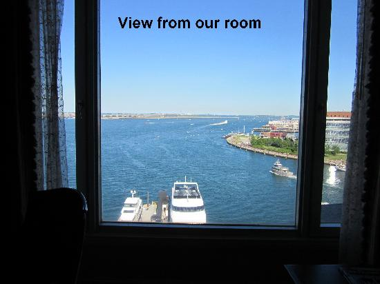 بوسطن هاربور هوتل: View from room - 10th floor