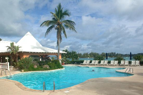 Grotto Bay Beach Resort & Spa : La piscine