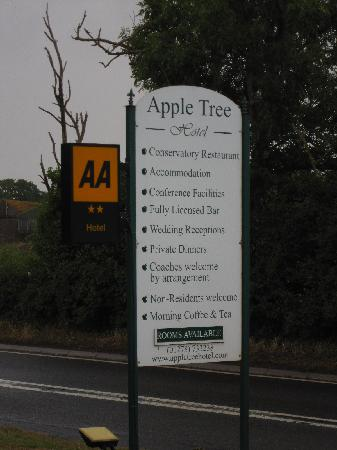 Apple Tree Hotel: roadside sign