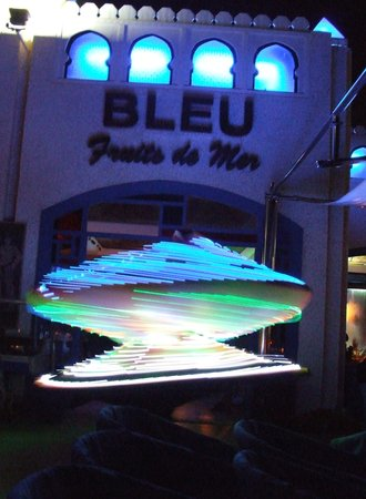 Le Nil Bleu: the resteraunt at night with entertainment