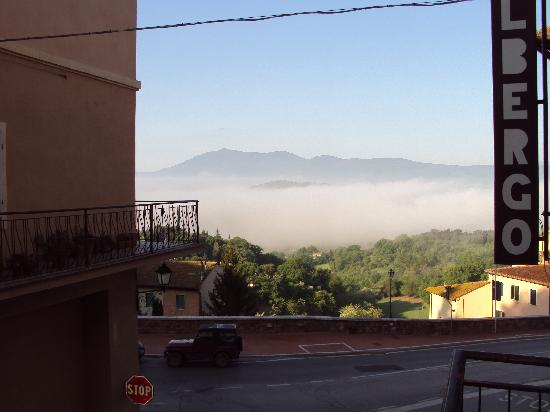 Albergo La Sfinge: View from the room in the morning