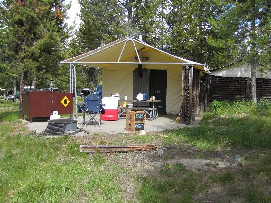 Colter Bay Village Cabin area & Bunks in cabin - Picture of Colter Bay Village Grand Teton ...