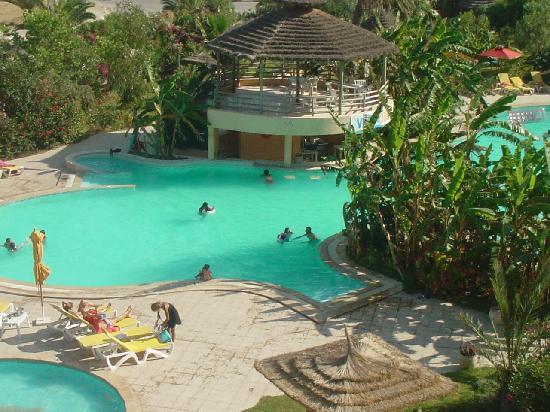 African Queen Hotel: El agua esta turbia