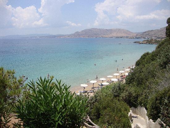 Finas Hotel Apartments: pefkos beach