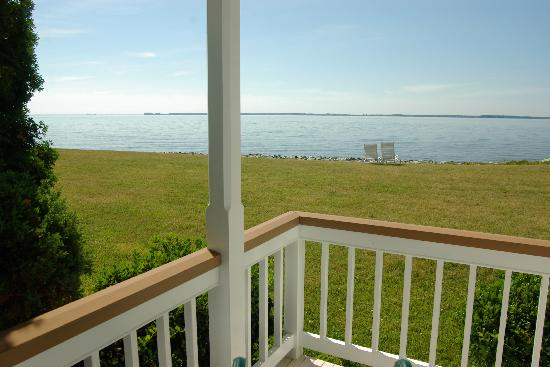 Wades Point Inn on the Bay: The Kemp Guesthouse (built in 1990) offers private porches or balconies