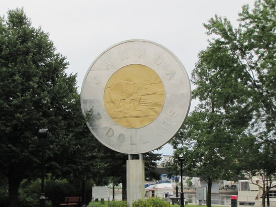 Toonie Monument