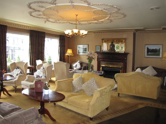 Killarney Royal: The Lobby