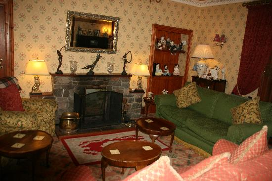 Corriegour Lodge Hotel: The Lounge
