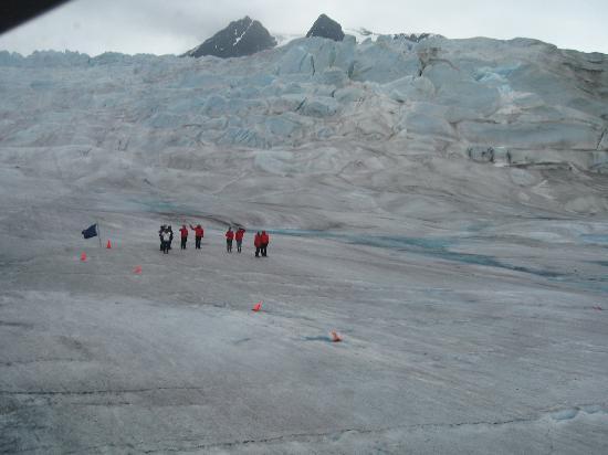 Mendenhall Glacier Visitor Center: Taking off from the Glacier