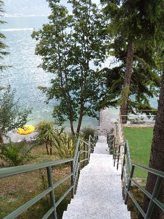 Hotel Panorama: The steps down to the private beach,