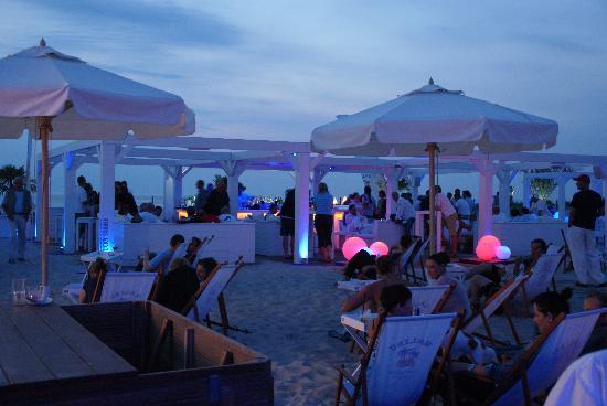 Ein Sommerabend in Schusters Strandbar