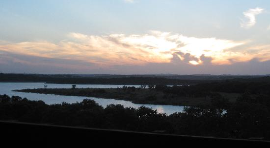 Lago Canyon, TX: Sunset over Canyon Lake