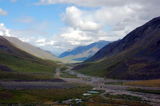 Deadhorse, AK: North from Atiken Pass