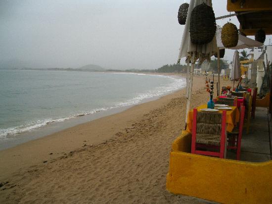 Grand Isla Navidad Resort: Barra de Navidad beach looking north toward Melaque