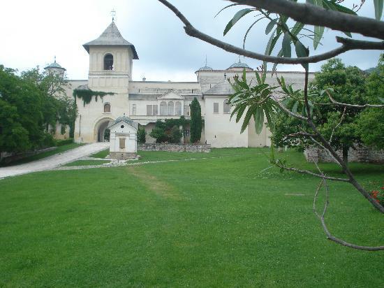 Walking up to Horezu Monastery