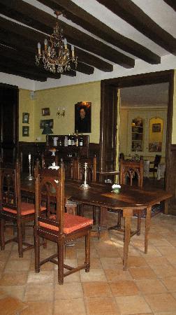 Hostellerie du chateau de l'isle : dining room