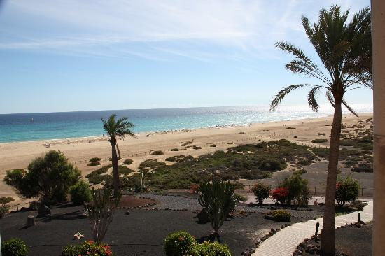 Iberostar Fuerteventura Palace: around hotel, and beach in front of the hotel