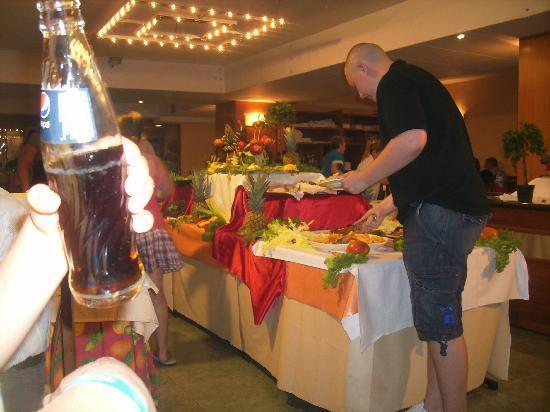Hotel Oasis Park: buffet