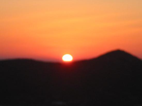Elounda Heights Apartments and Studios: sun rise from the studios