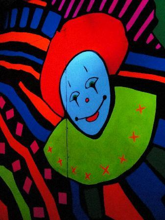 EnterTRAINment Junction: Clowns in black light from fun house!