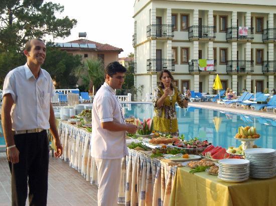 Leytur Hotel: Turkish night