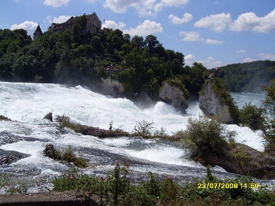 Schaffhausen, Suiza: The Rheinfalls