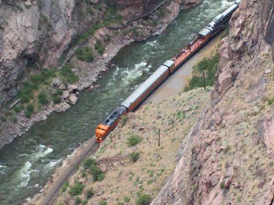 Canon City, CO: Beneath the bridge is the Arkansas River and the Union Pacific RR