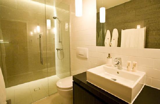 Owhanake Bay Estate : Bathroom