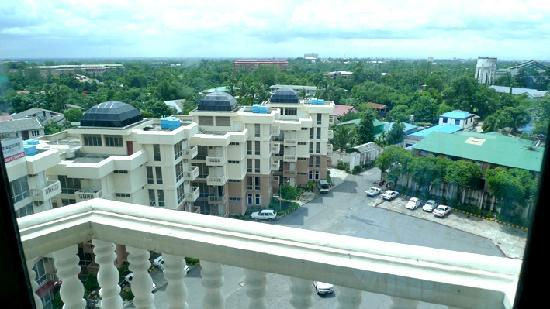 Yangon International Hotel : View from balcony