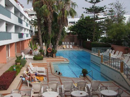 Hotel Kamal: Hotel et sa piscine