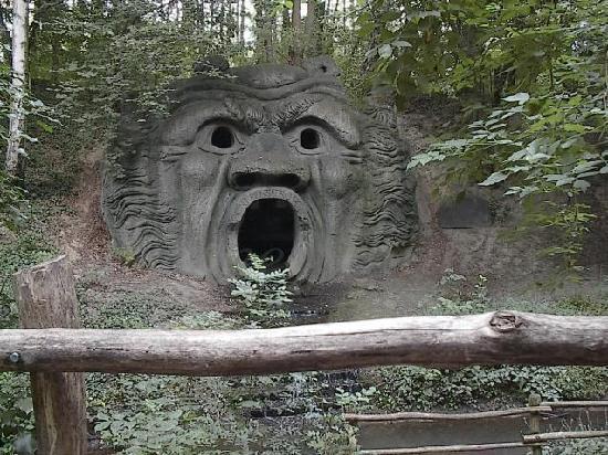 Mondo Verde: the silent scream in the Folieswood