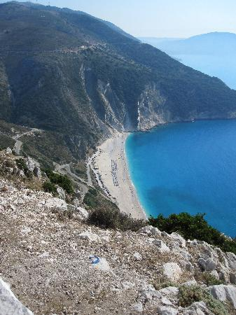 Cephalonia, Yunanistan: Myrtos beach taget från platån (mot Fiskardo)