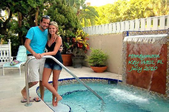Pier House Resort & Spa : hot tub outside of fitness center