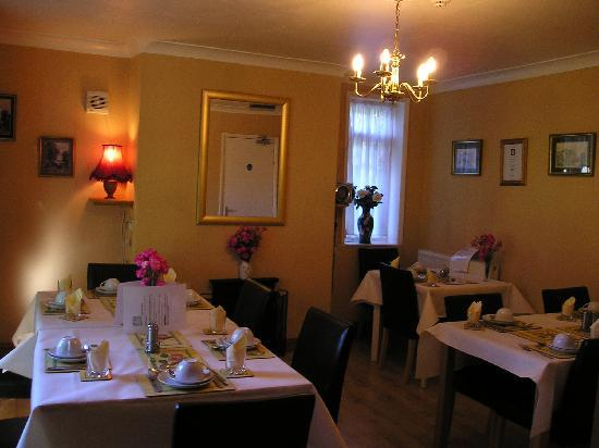 Bramley House Bed & Breakfast: Dining Area