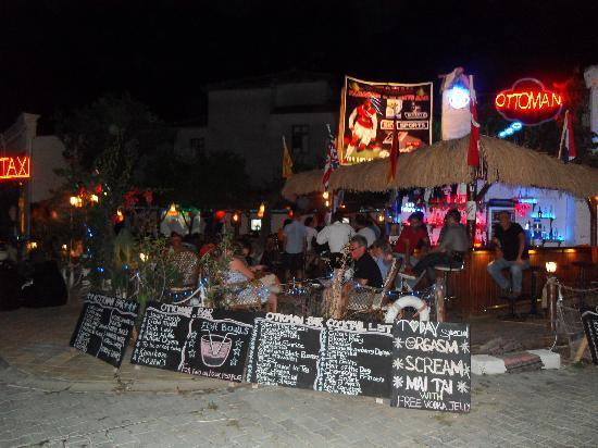 Ottoman Karaoke & Cocktail Bar: Ottoman Karaoke and Cocktail Bar