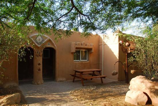 Kibbutz Lotan Desert Inn : Bungalow from outside