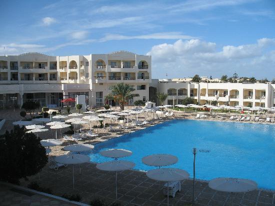 El Mouradi Gammarth : piscina centrale