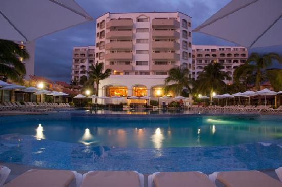 Tesoro Ixtapa: Hotel out
