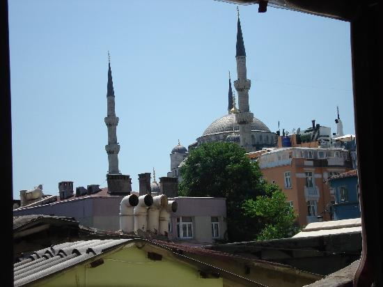 Hotel Ida: View of the Blue Mosque from the roof