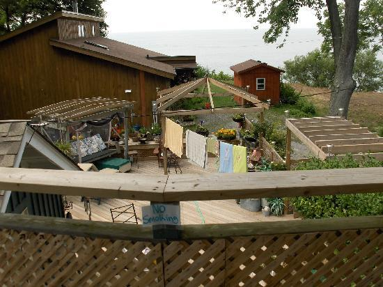 B & B In Port Dalhousie: Another upper level deck - lake view