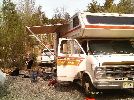 Crystal Springs Wilderness Lodges & RV Resort: rv setup