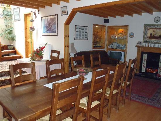 Miller's House: breakfast room
